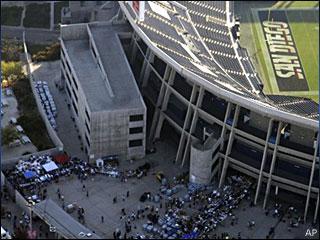 071023_chargers_stadium.jpg