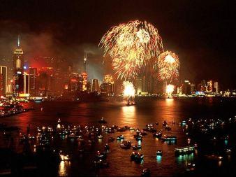 http://thestartingfive.files.wordpress.com/2008/01/new-year-fireworks-hk.jpg